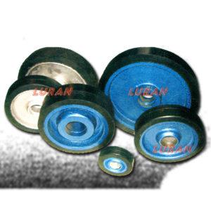 Reparacija oštećenih ili istrošenih guma na točkovima povećane nosivosti